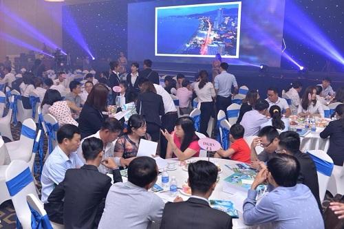 khách tham dự cam ranh city gate