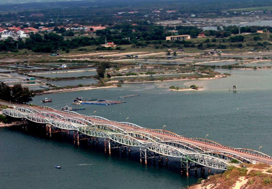 xây dựng cầu long hồ