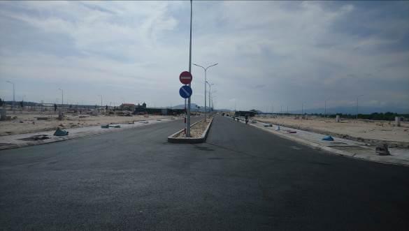 đường 28m tại Cam Ranh City Gate