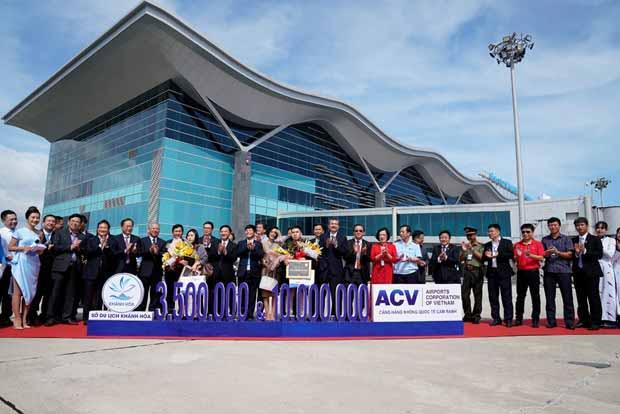 3,5 triệu khách quốc tế đến Cam Ranh