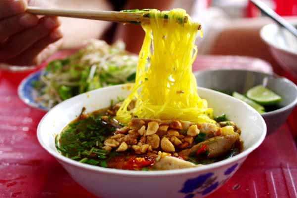 Ăn Gì ở Cam Ranh - Mì Quảng Cam Ranh